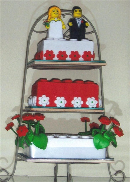 Cake Decorating Solutions Uk : Cakes Helen Ward s Catering Solutions Ltd